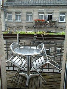 Balkon zur Straße
