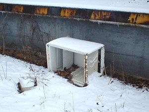 Ausgedienter Kühlschrank