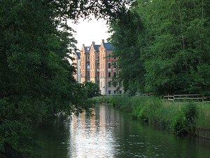 Die 'Kißkalt'schen Mietshäuser' an der Rednitz