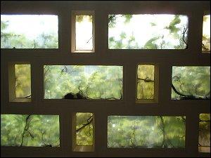 Wand aus Glasbausteinen