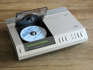 Philips CD 100