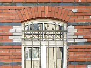 Eisenzaun als Fenstergitter