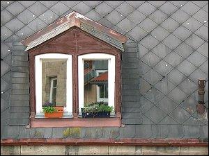 hofseitige Dachgaube auf einem Schieferdach (Theaterstraße)