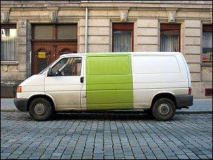 parkender Lieferwagen