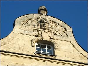prächtiger Giebel an der Nürnberger Straße