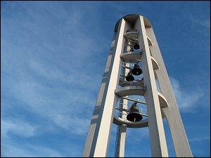 Glockenturm einer Kirche in Saarbrücken-Rodenhof