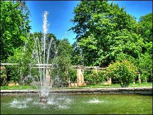 Fontäne im Rosengarten des Fürther Stadtparks