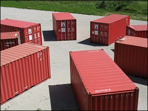 Container-Arrangement hinter dem Nürnberger Museum Industriekultur