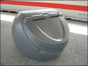 Streugut-Behälter in Würzburg Hbf