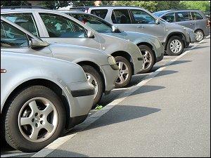 parkende Autos in der Herrnstraße