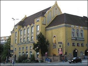 Berolzheimerianum an der Kreuzung Schwabacher Straße / Theresienstraße
