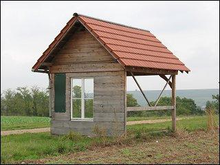Halbe Hütte in einer Rheinland-Pfälzischen Weinbau-Region