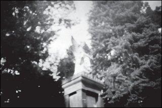Engelsfigur im Stadtpark