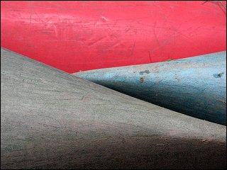 Dicht an dicht gelagerte Kunststoff-Kanus