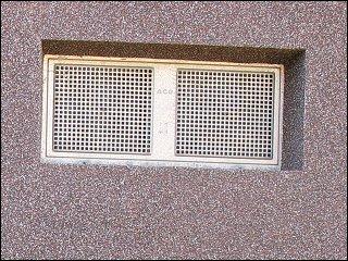 Fenstereinsatz aus Lochblech