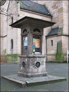 Info-Häuschen an der Paulskirche