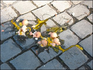 sonntägliches Eierelend am Koberger Platz zu Nürnberg