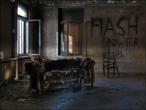 verfallende und vandalisierte Gründerzeit-Fabrikantenvilla in Nürnberg