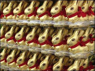 Phalanx der Schokoladen-Osterhasen