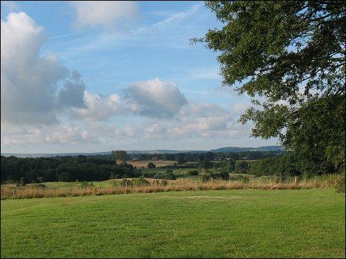 die liebliche Landschaft Südenglands (bei Little Horsted, East Sussex)