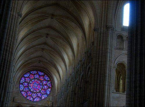 Rosettenfenster der Kathedrale von Laon
