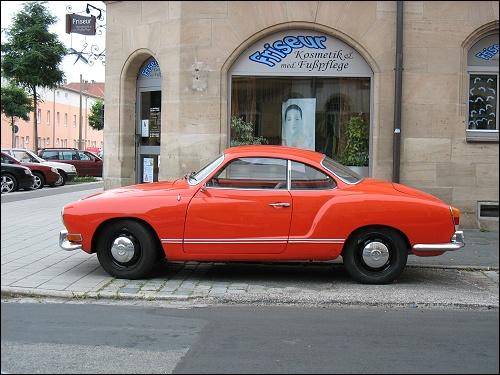 ein nicht minder historischer VW Karmann-Ghia