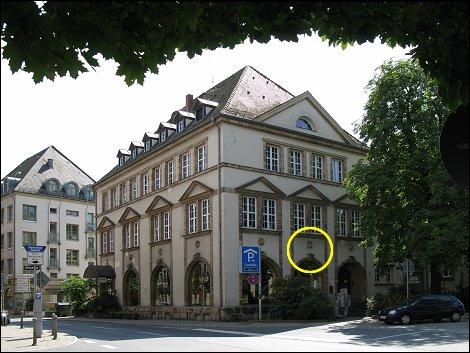 Das Anwesen Theresienstraße 9 / Ottostraße 27