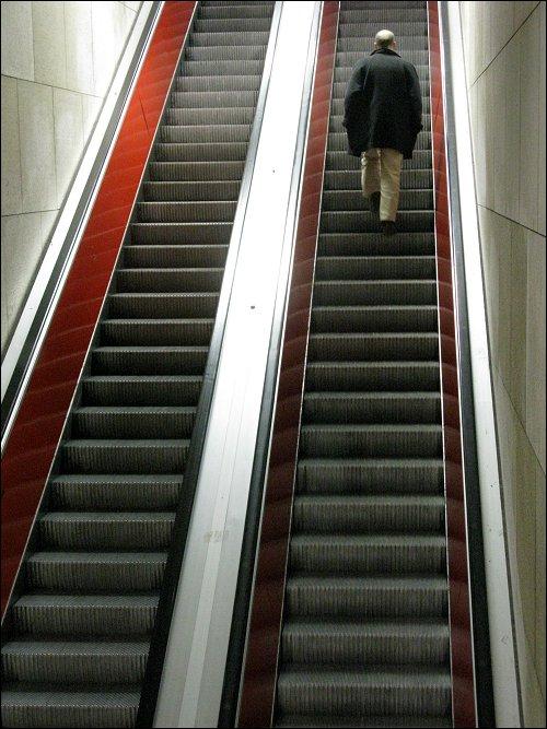 Rolltreppe in einer Münchener U-Bahn-Station