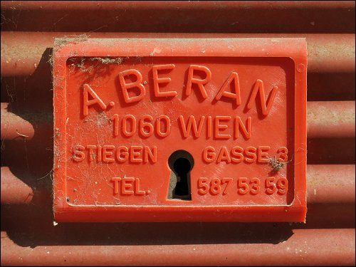 Ein Wiener Rollladenschloß