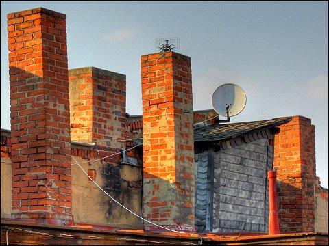 Fürther Hinterhaus-Dachlandschaft im Abendlicht