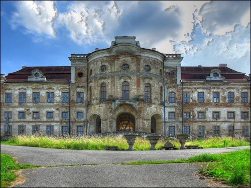 verfallendes Schloß in Týnec südwestlich von Klatovy