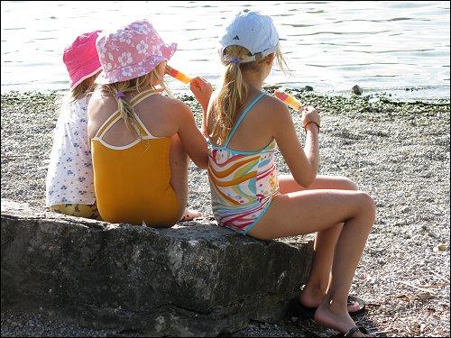 Drei Mädels am See