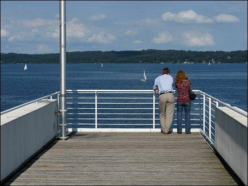 Blick vom Museum Buchheim hinaus auf den Starnberger See
