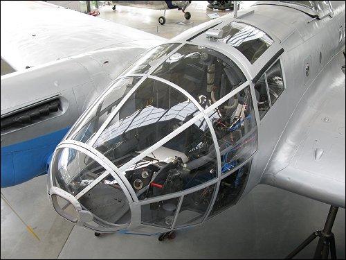 Pilotenkanzel der CASA 2.111B