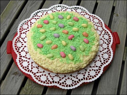 Raffaello-Torte in österlicher Ausführung