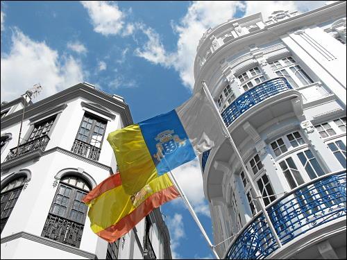Die Hauptstadt La Palmas zeigt Flagge
