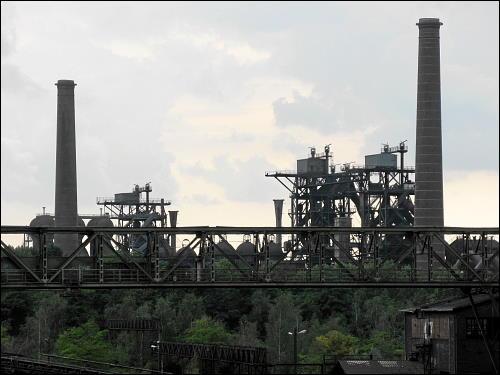 stadtbildprägende Silhouette der alten Industrieanlage