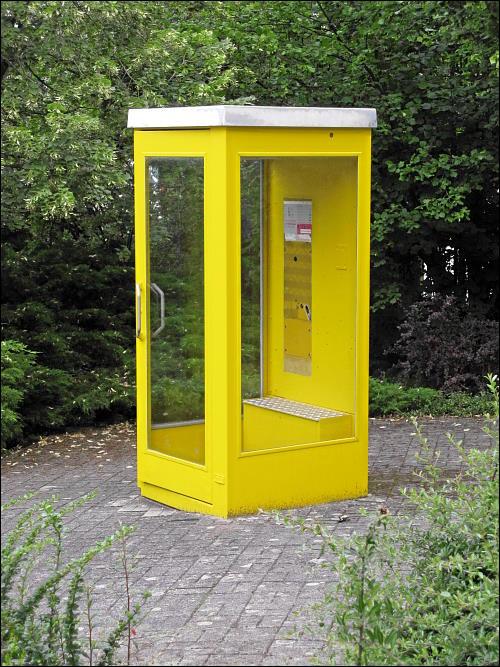 stillgelegte Telefonzelle in Meisenheim (Glan)