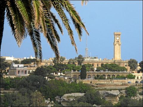 Der Fürther Rathausturm aus ungewohnter Perspektive