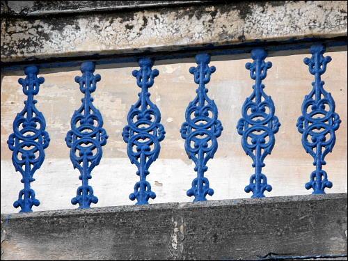 Detail eines alten Balkongeländers