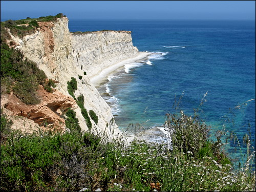 Klippen bei Marsaskala am Ostzipfel Maltas