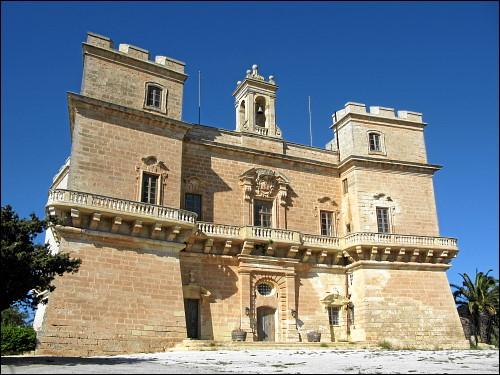 Selmun Palace unweit der Stadt Mellieha