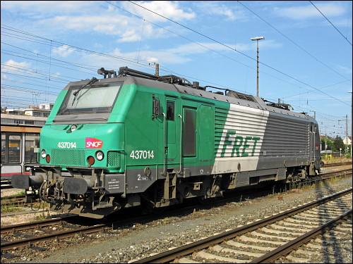 Lok 437014 der FRET/SNCF