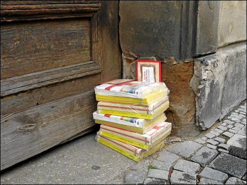 sedimentierende Telefonbücher
