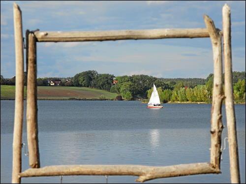 Segelboot auf dem Rothsee