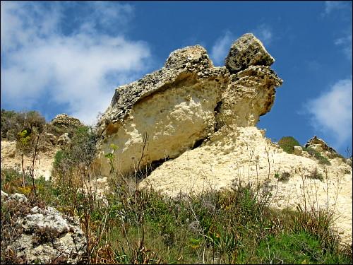 erodierender Sandstein an der Küste Gozos