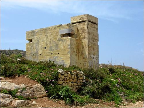 britischer MG- und Beobachtungs-Bunker