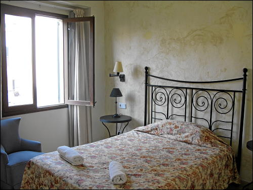 Hotelbett in Port de Sóller