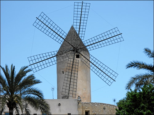 traditionelle Windmühle in Palma de Mallorca
