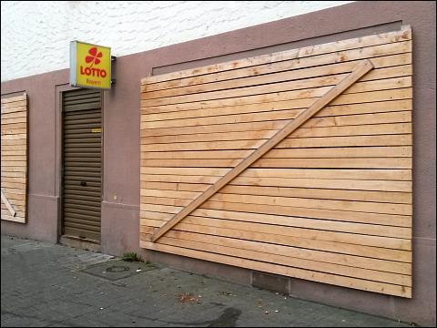 aufgelassener Lotto-Laden (Nürnberg, Allersberger Straße)